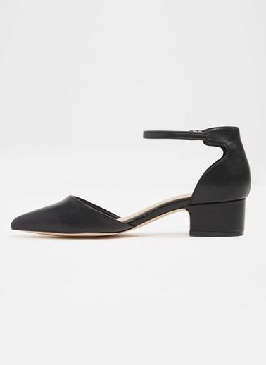 Aldo Kısa Topuklu Bilekten Bağlamalı Ayakkabı Siyah